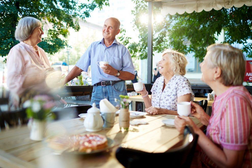 Senioren-WG oder Plus-WG – was passt zu mir?